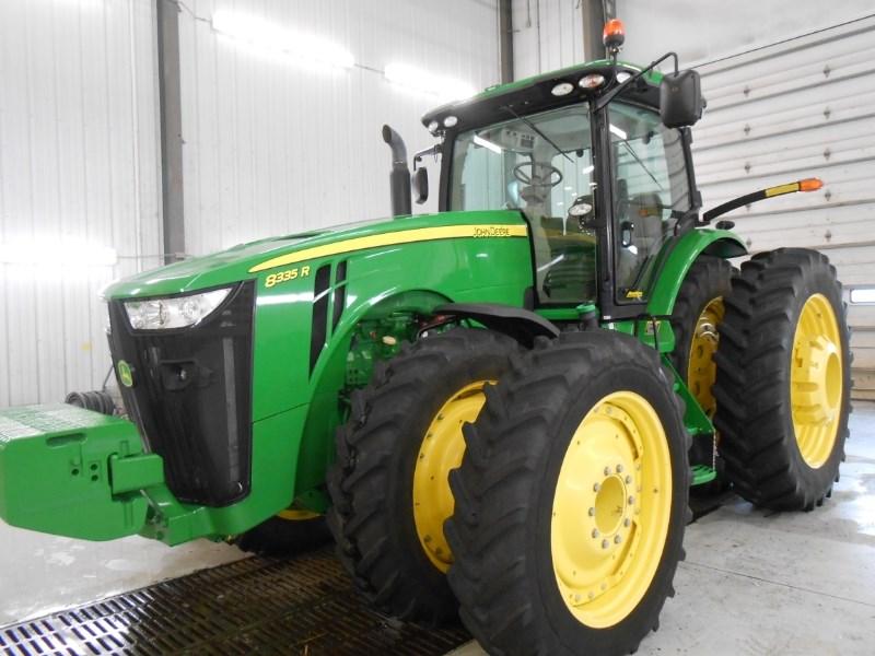 2013 John Deere 8335R Tractor For Sale