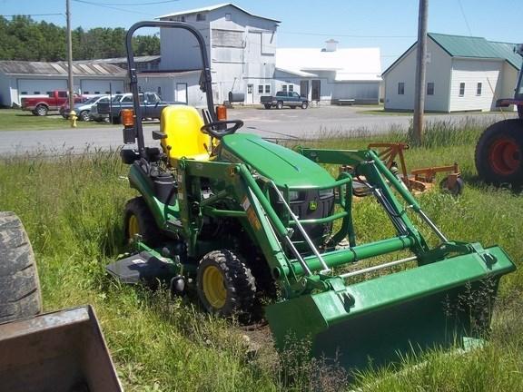 2013 John Deere 1025R Tractor For Sale