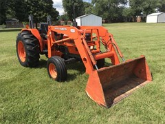Tractor For Sale 2004 Kubota M4900 , 54 HP