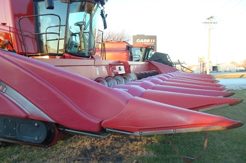 Header-Corn For Sale:  2007 Case IH 2412