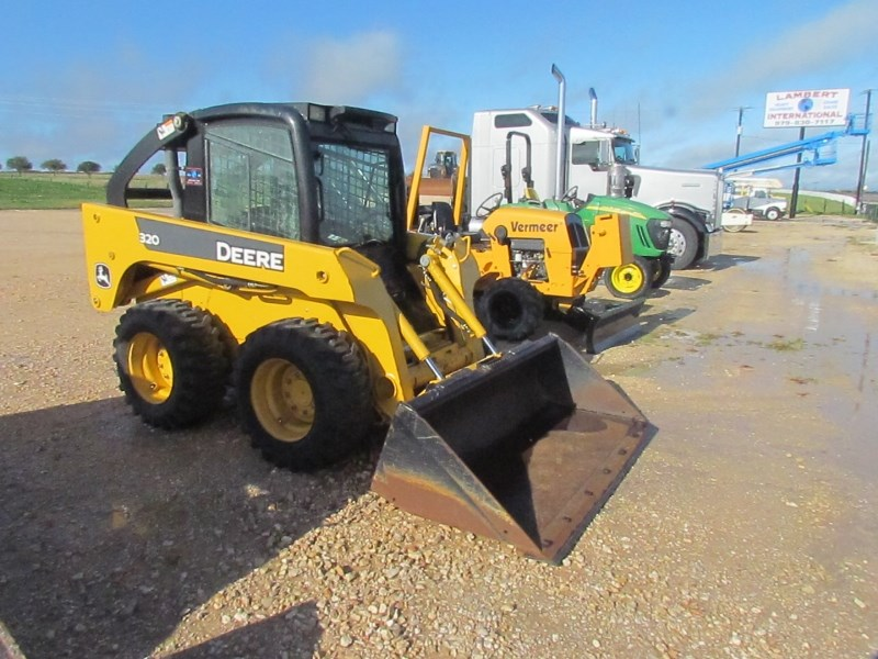 2006 John Deere 320  Skid Steer For Sale