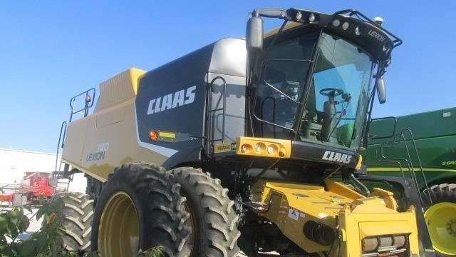 2014 Claas LEXION 740 Combine For Sale