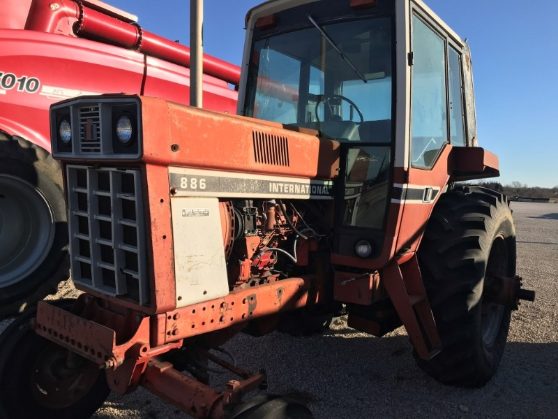 1977 International 886 Tractor For Sale