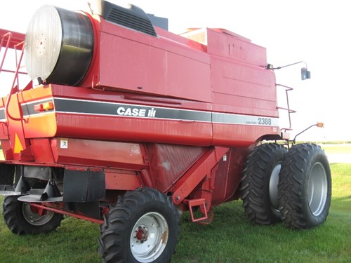 Combine For Sale:  1998 Case IH 2388