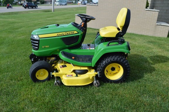 2016 John Deere X730 Riding Mower For Sale