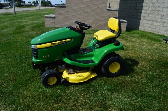 2007 John Deere X300 Riding Mower For Sale
