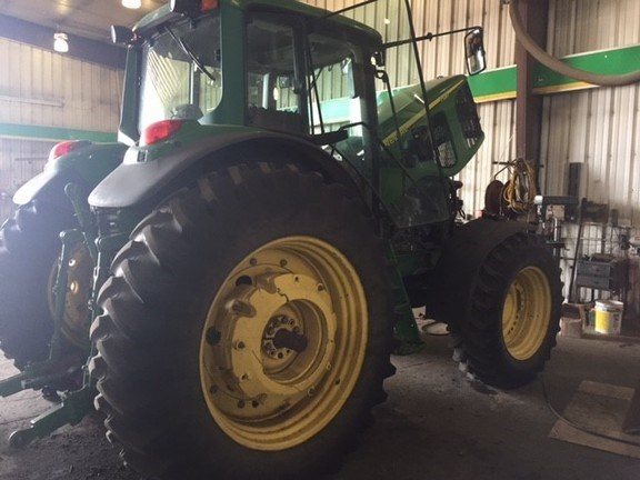 2004 John Deere 7520 Tractor For Sale