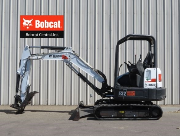 2011 Bobcat E32 Excavator-Mini For Sale