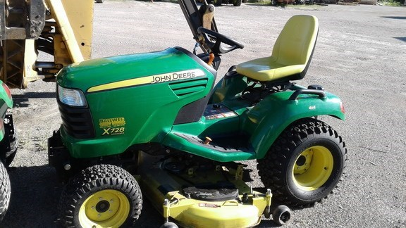 2011 John Deere X728 Riding Mower For Sale