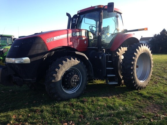 Case IH MAGNUM 235 Tractor For Sale