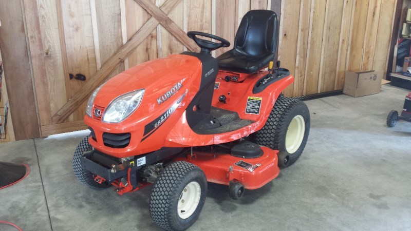 2011 Kubota GR2110 Tractor - Compact For Sale