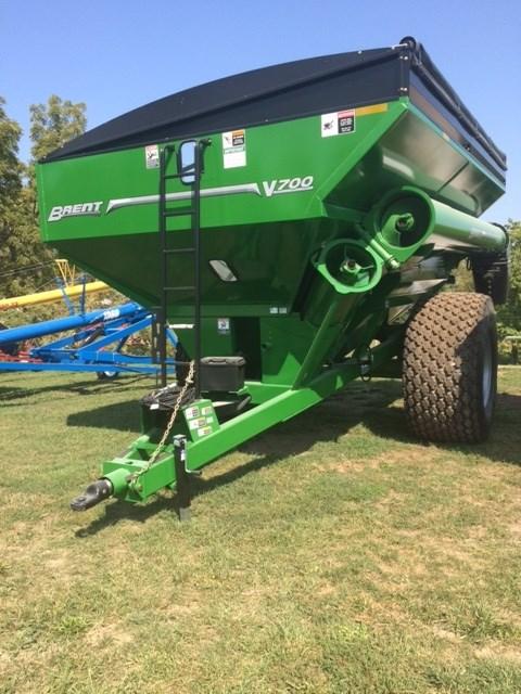 Brent V700  W/ TARP Grain Cart For Sale
