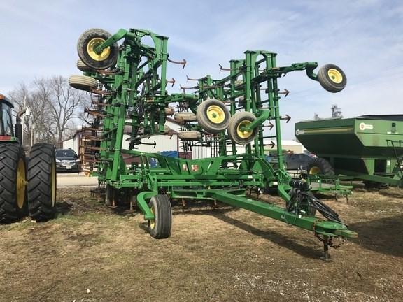 2014 John Deere 2210 Field Cultivator For Sale