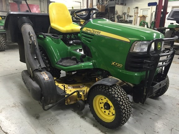 2008 John Deere X720 Riding Mower For Sale