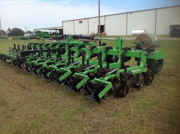 2013 Bigham Brothers strip till Strip-Till For Sale