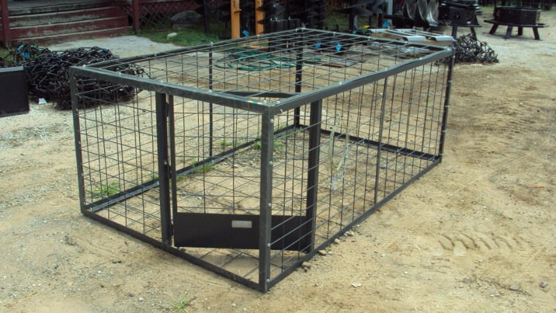 Other New hog trap w/ spring door Misc. Sport/Utility For Sale
