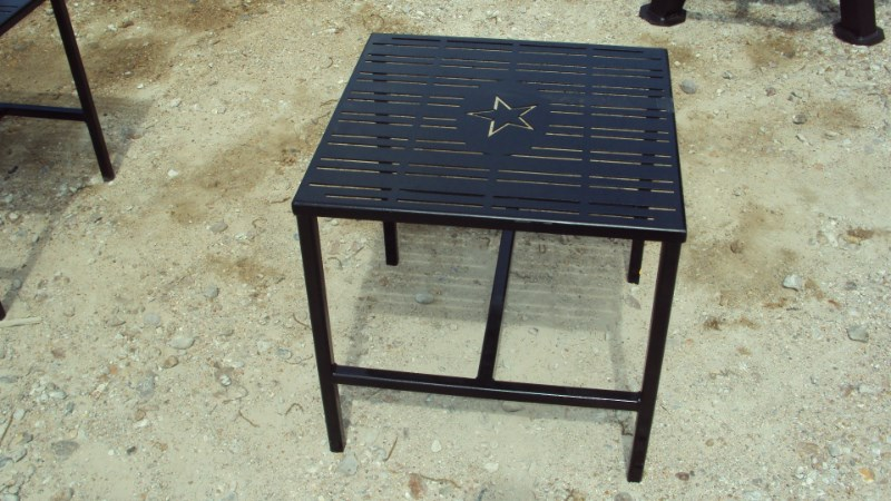 Other Heavy duty metal out door side / end table Misc. Sport/Utility For Sale