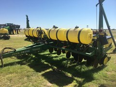 Planter For Sale 1992 John Deere 7200