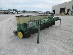Planter For Sale:  John Deere 7100