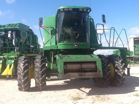1994 John Deere CTS Combine For Sale