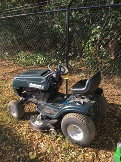 Riding Mower For Sale:  2005 Bolens 13007 , 15 HP