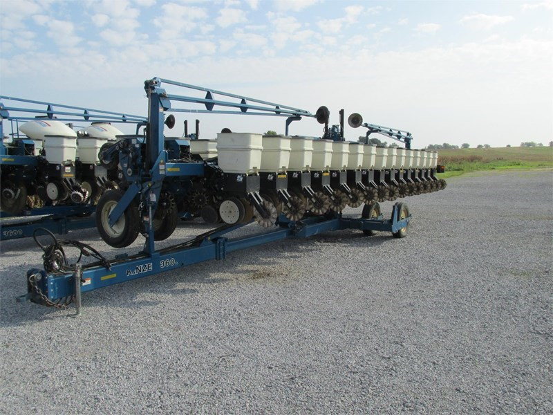 2009 Kinze 3600 Planter For Sale