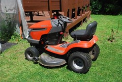 Riding Mower For Sale 2007 Husqvarna YTH2242 , 22 HP