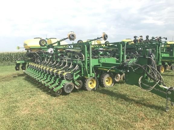 2017 John Deere DB60 Planter For Sale