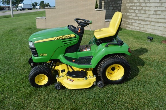 2012 John Deere X720 Riding Mower For Sale