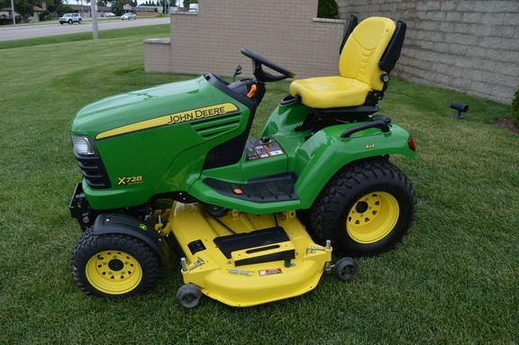 2012 John Deere X728 Riding Mower For Sale