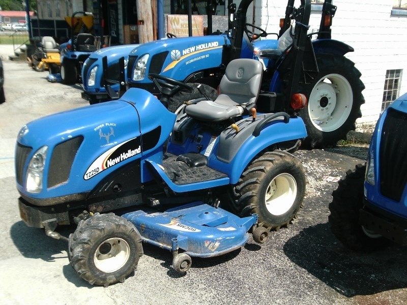 2005 New Holland TZ25DA W/60CMS DECK Tractor - Compact For Sale