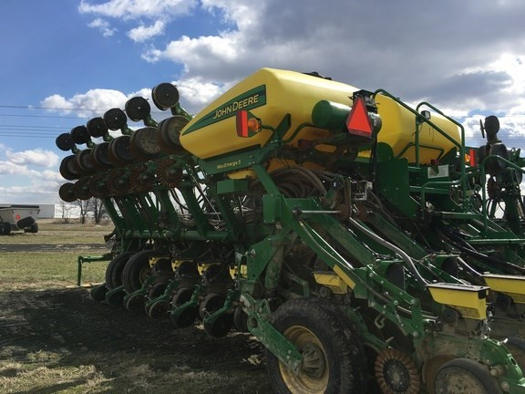 John Deere 1795 Planter For Sale