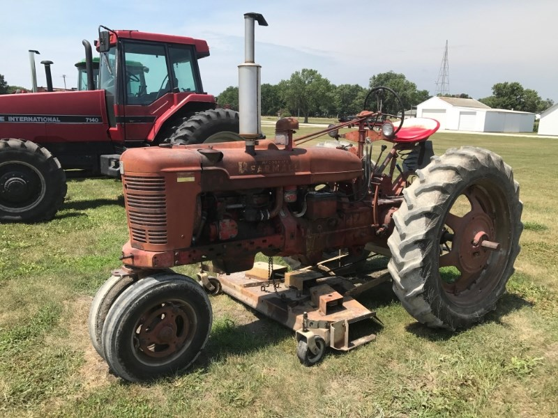 1953 Farmall SUPER H Tractor For Sale