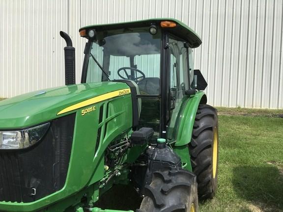 2016 John Deere 5085E Tractor For Sale