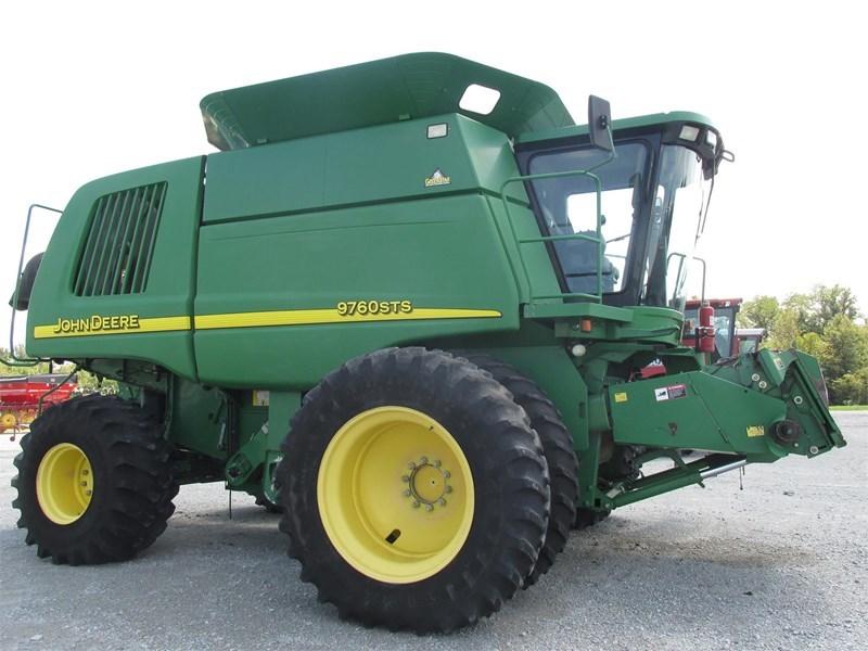 2004 John Deere 9760 STS Combine For Sale