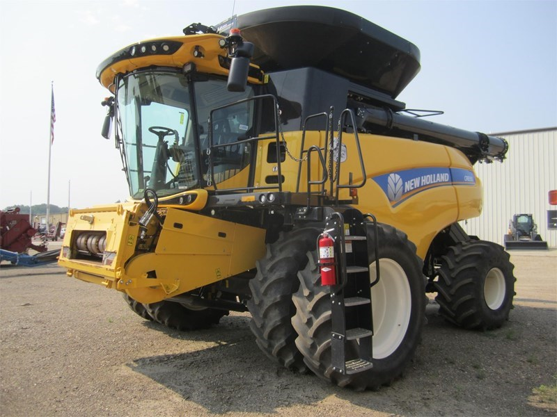 2015 New Holland CR8.90 Combine For Sale