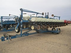 Planter For Sale:  1999 Kinze 2600