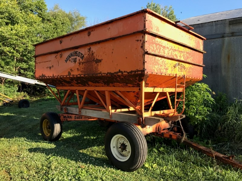 Other 260 250BU Gravity Box For Sale