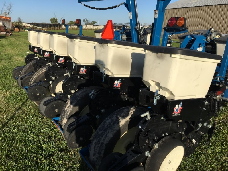 2013 Kinze 3200 Planter For Sale