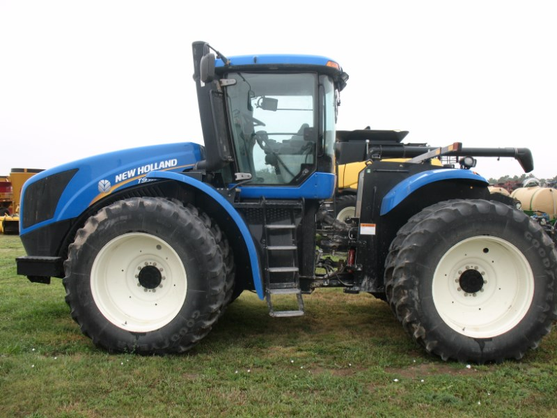 2011 New Holland T9.390 Tractor For Sale