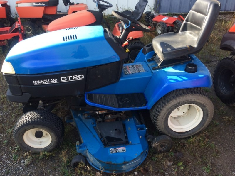 2001 New Holland GT20 Riding Mower For Sale
