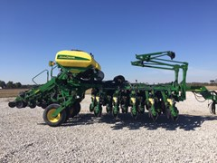 Planter For Sale 2005 John Deere 1790