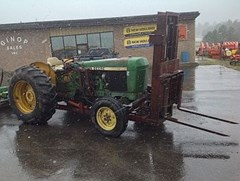 Tractor For Sale:   John Deere 2640