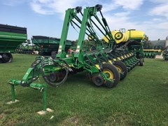 Planter For Sale:  2015 John Deere 1775NT