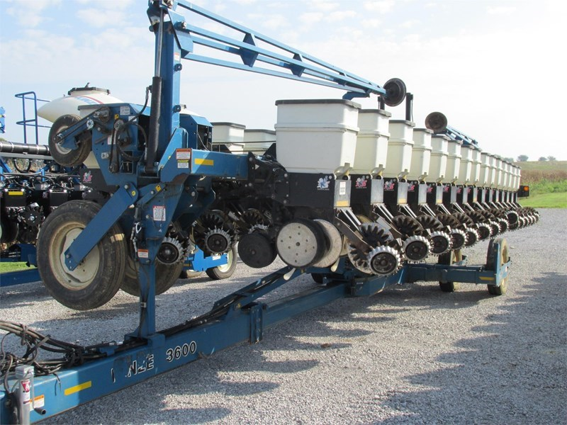 2008 Kinze 3600 Planter For Sale