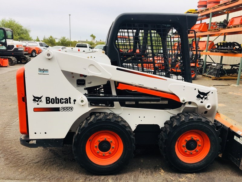 Bobcat S550 T4 Skid Steer