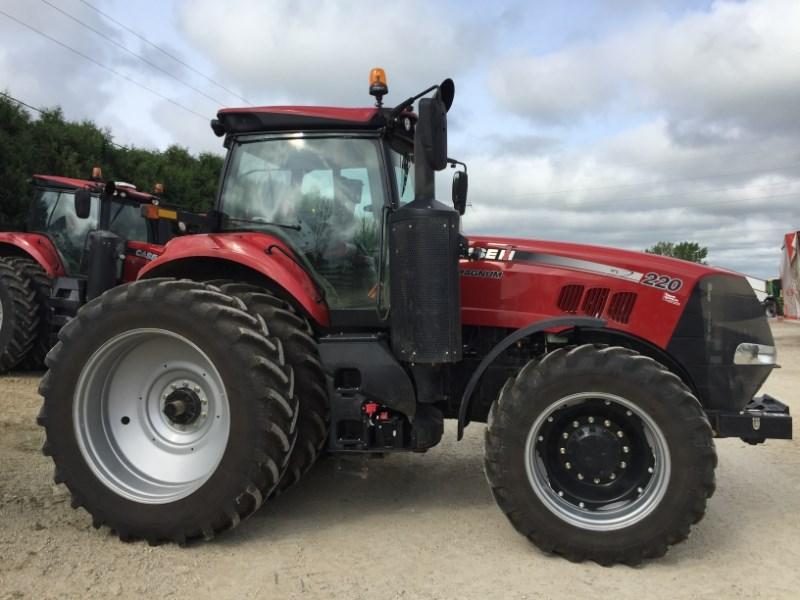 2017 Case IH Magnum 220 Tractor For Sale