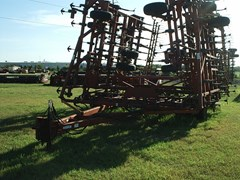 Field Cultivator For Sale:  2009 Krause 5655