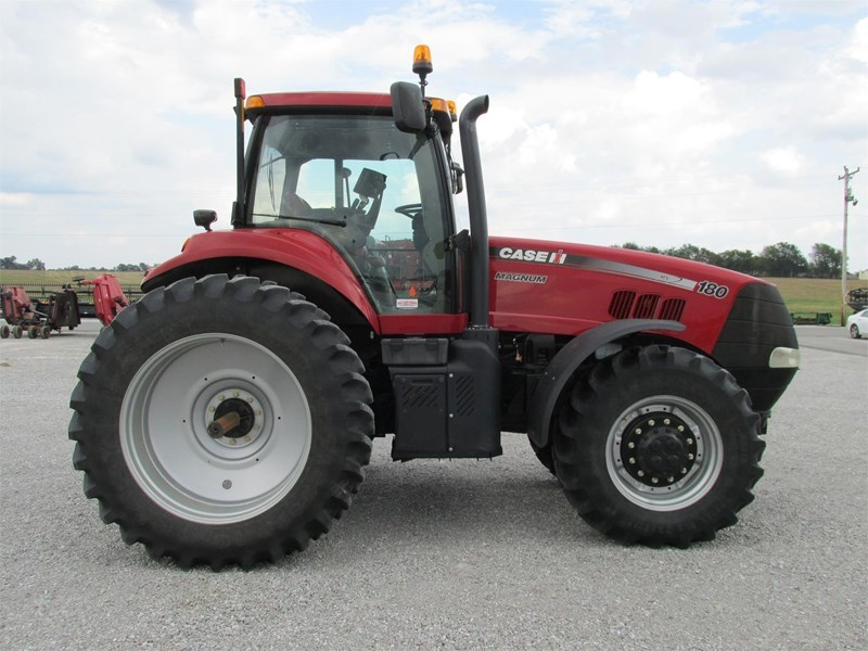 2014 Case IH MAGNUM 180 Tractor For Sale