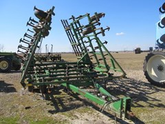 Field Cultivator For Sale:  1990 John Deere 960